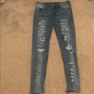American Eagle Distressed Jeans - 0 Short